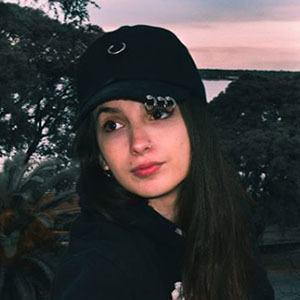 Angie Velasco 3 of 5