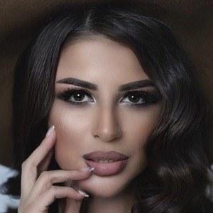 Ani Vladimirovna Headshot 4 of 7