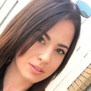 Anisa Jomha 5 of 6
