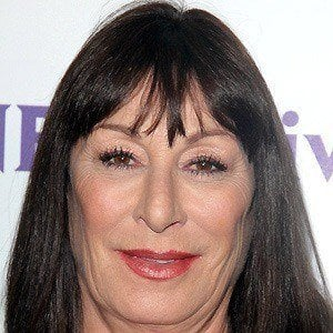 Anjelica Huston 2 of 10