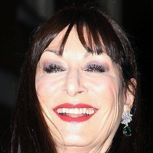 Anjelica Huston 3 of 10