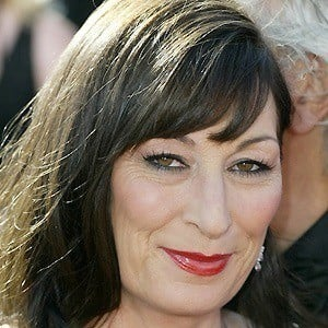 Anjelica Huston 5 of 10