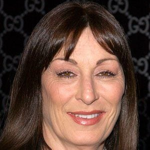 Anjelica Huston 8 of 10