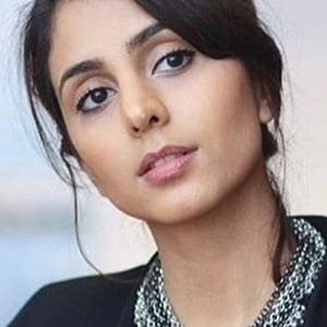 Anjli Mohindra 6 of 6