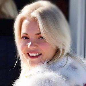 Ann Marielle Lipinska 2 of 5