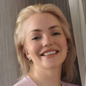 Ann Marielle Lipinska 3 of 5