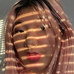 Anna Fujii 6 of 10