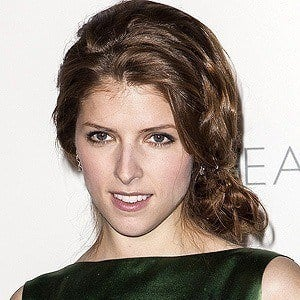 Anna Kendrick 3 of 9