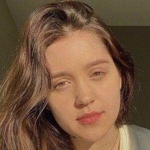 Anna Lenkovska Headshot 6 of 10