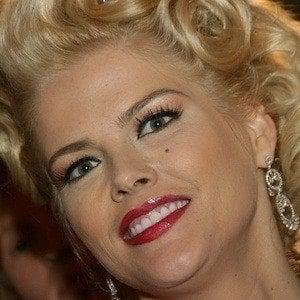 Anna Nicole Smith 5 of 10