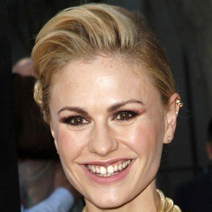 Anna Paquin 8 of 10