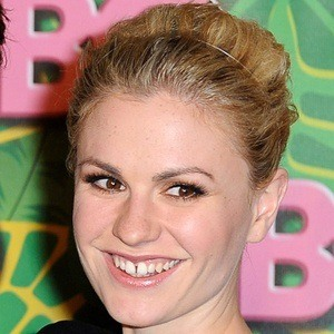 Anna Paquin 9 of 10