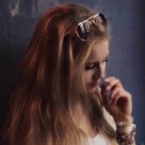 Anna Sommer 5 of 9
