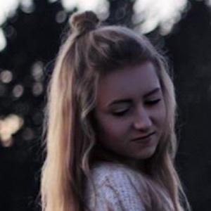 Anna Sommer 7 of 9
