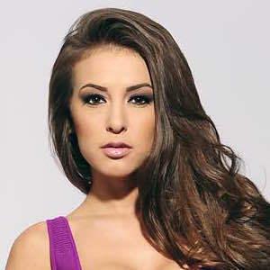 Anna Valencia 2 of 4