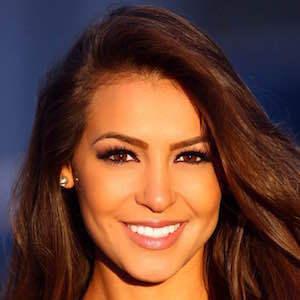 Anna Valencia 3 of 4