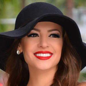 Anna Valencia 4 of 4