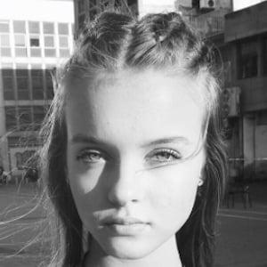 Anna Zak 6 of 7