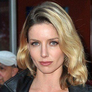 Annabelle Wallis 2 of 6