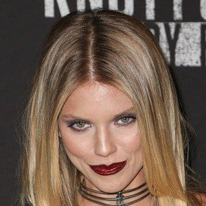 AnnaLynne McCord 7 of 10