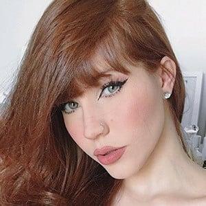 Anne Faria Headshot 2 of 5