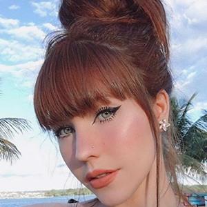 Anne Faria Headshot 3 of 5