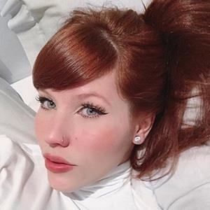 Anne Faria Headshot 4 of 5