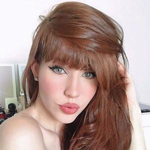 Anne Faria Headshot 5 of 5
