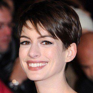 Anne Hathaway 4 of 10