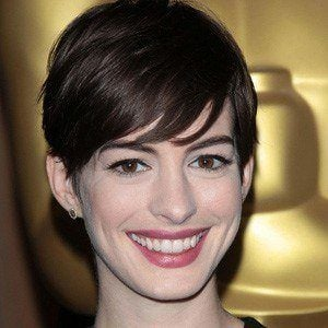 Anne Hathaway 5 of 10
