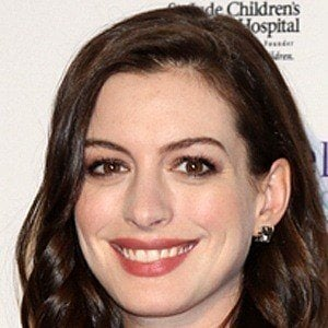 Anne Hathaway 8 of 10