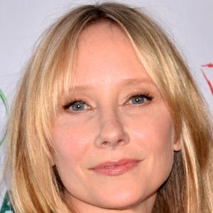 Anne Heche 7 of 10