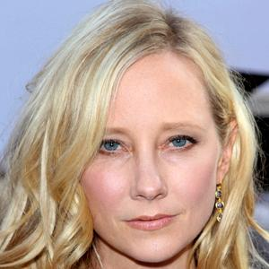 Anne Heche 8 of 10