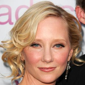 Anne Heche 9 of 10