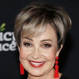 Annie Potts 6 of 6