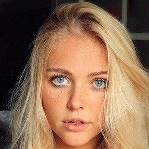 Annika Boron Nude Photos 40