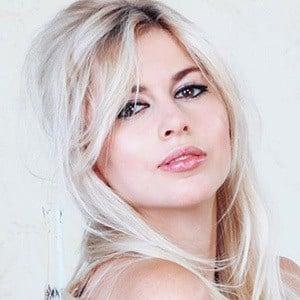 Antoinette Aron 4 of 5