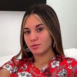 Antonella Verna Headshot 7 of 10
