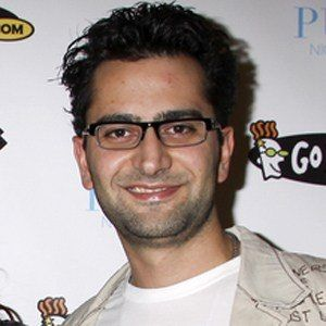 Antonio Esfandiari 2 of 5