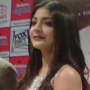 Anushka Sharma 2 of 2