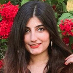 Anushae Khan 3 of 5