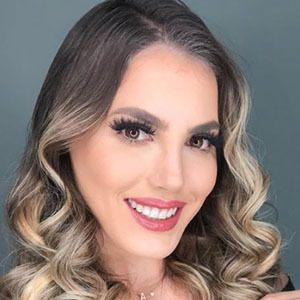 Anyela Salerno 2 of 5