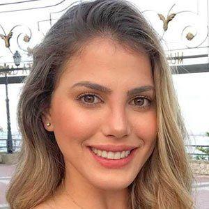 Anyela Salerno 3 of 5