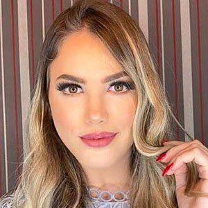 Anyela Salerno 4 of 5