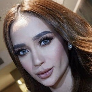 Arci Munoz 5 of 6