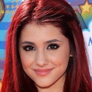 Ariana Grande 5 of 10