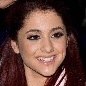 Ariana Grande 9 of 10