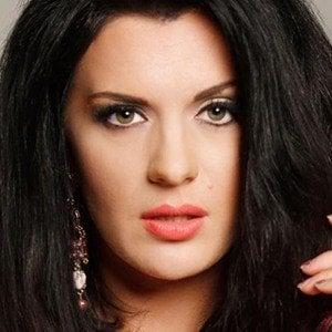 Ariana Savalas 6 of 6