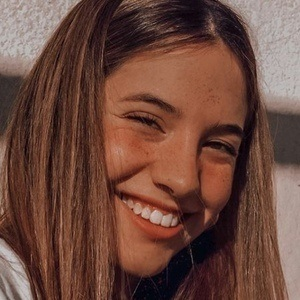 Arianna Somovilla Headshot 7 of 10