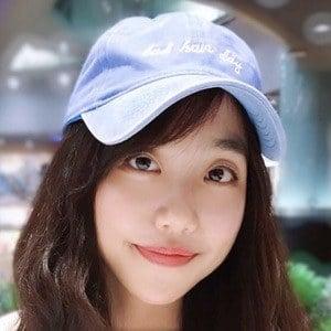 Ariel Tsai Headshot 9 of 10